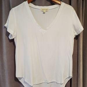 White linen tshirt